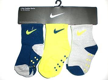 Amazon.com: Nike bebé recién nacido Calcetines, 3 pares ...