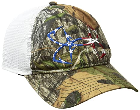 adfcdb3bc20 Amazon.com  Under Armour Men s UA Camo Fish Hook Cap