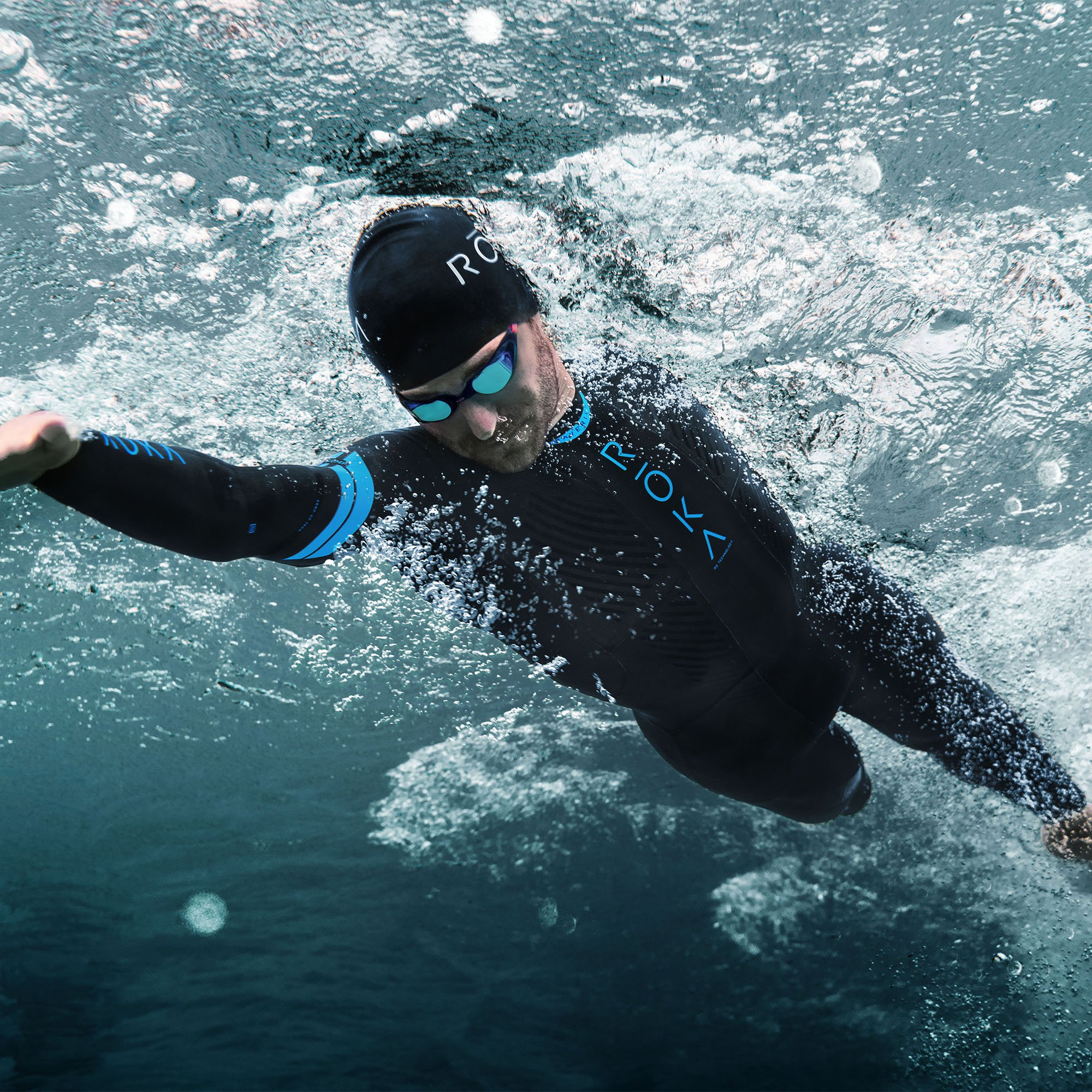 ROKA Maverick Comp II Men's Wetsuit for Swimming and Triathlons - Black/Cyan - Extra Large (XL) by ROKA (Image #4)