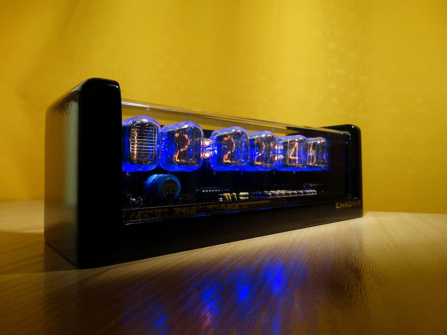 Amazon.com: Vintage Nixie Tube Clock with 6xIN-12 displays & Alarm & Blue Backlight & Black Glossy Wooden case CHRONIX: Home Audio & Theater