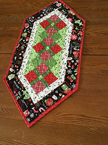 Christmas Table Runner Quilt.Amazon Com 100 Cotton Quilted Christmas Table Runner 38 X