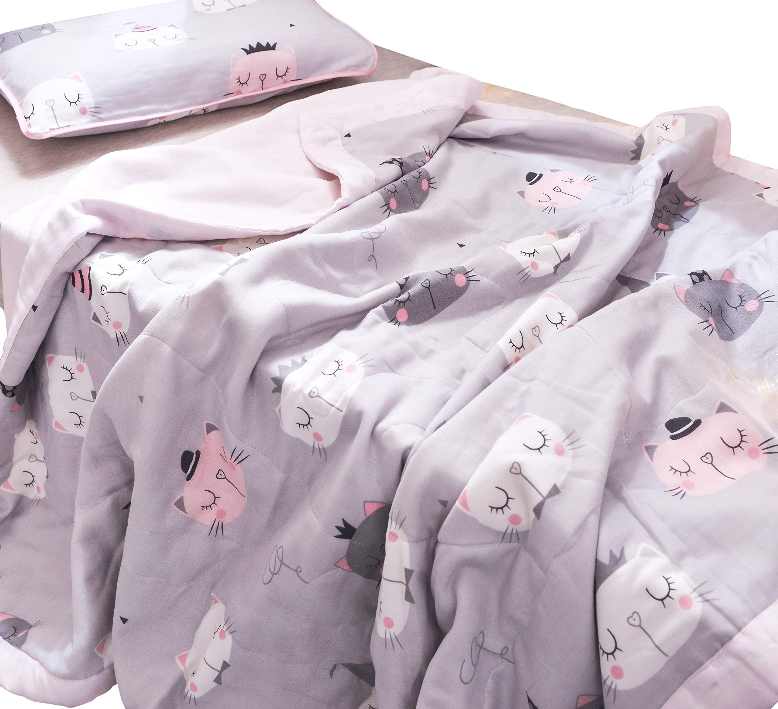 J-pinno Boys & Girls Cute Cats Kitty Muslin Quilted Comforter Bedding Coverlet, 100% Long Staple Cotton, Throw Blanket Twin/Full for Kid's Bedroom Decoration Gift (Twin 59'' X 78'', cats2)