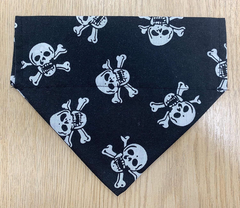 Large Dog Bandana Black /& White Skull /& Cross Bones Print Slide on Collar Dog Bandana