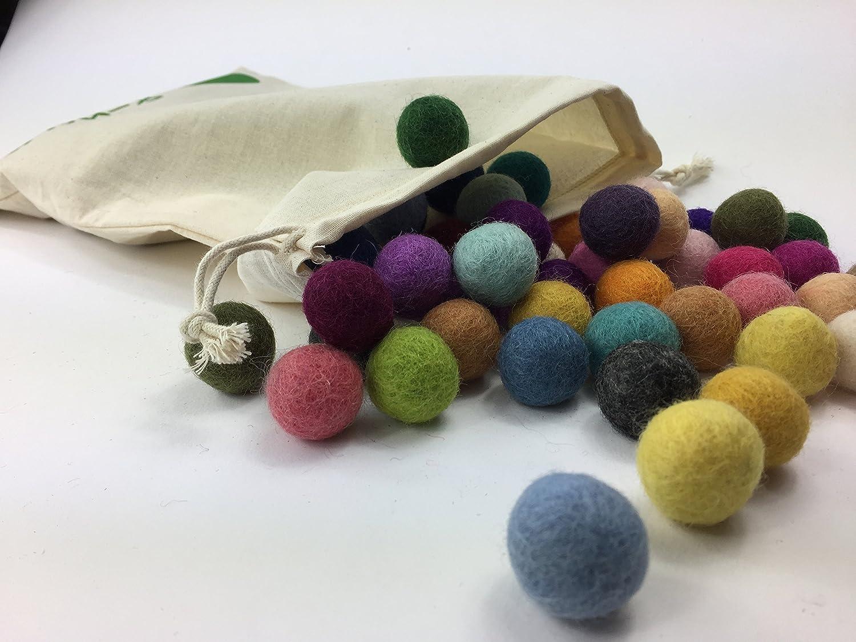 6717047e37 Colección llena de color de 50 bolas de fieltro