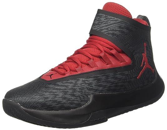 4c475d01c4e61 Este zapato está fabricado con material textil y suela de goma