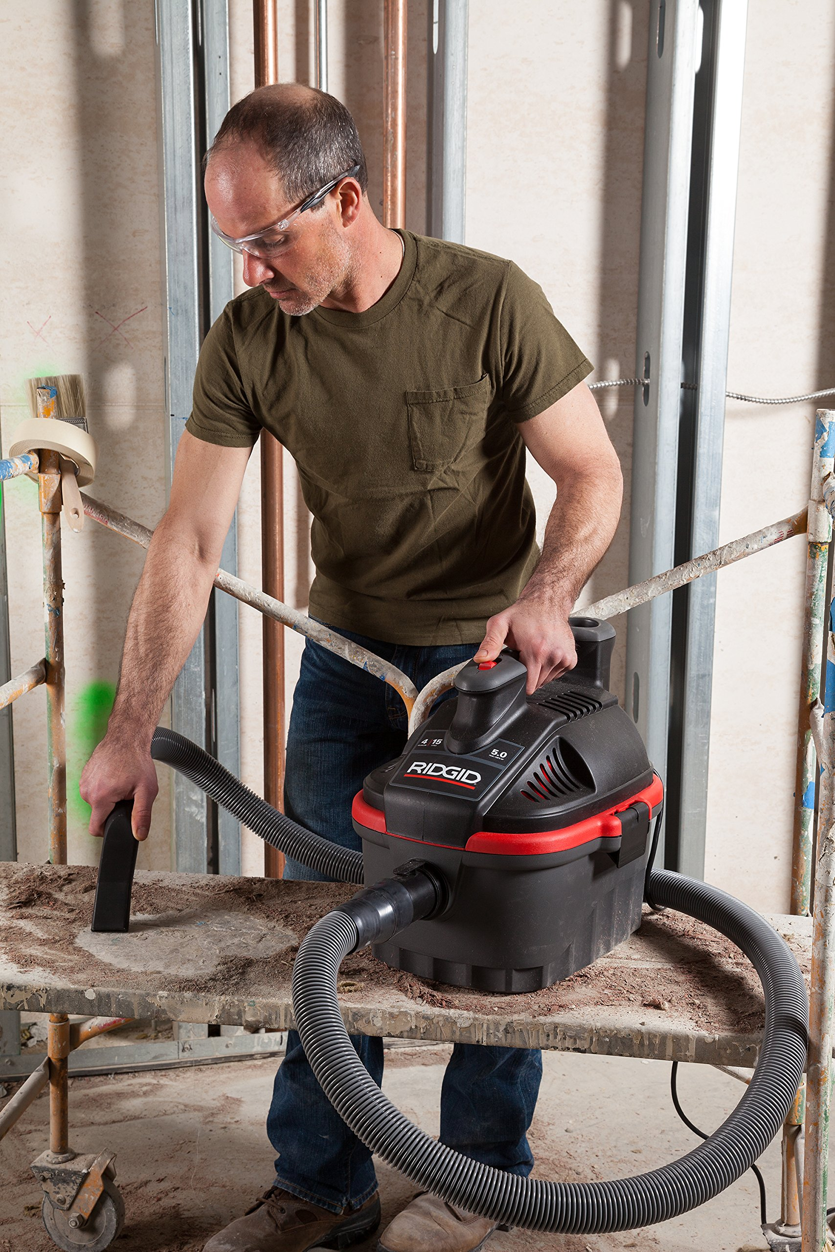 RIDGID 50313 4000RV Portable Wet Dry Vacuum, 4-Gallon Small Wet Dry Vac with 5.0 Peak HP Motor, Pro Hose, Ergonomic Handle, Cord Wrap, Blower Port by Ridgid (Image #6)