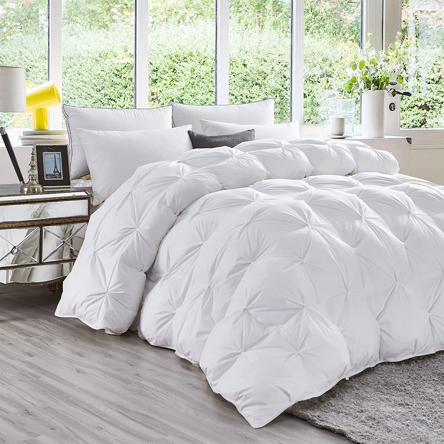 LUXURIOUS All-Season Goose Down Comforter Queen Size Duvet Insert, Exquisite PINCH PLEAT Design, Premium Baffle Box, 1200 Thread Count 100% Egyptian Cotton White