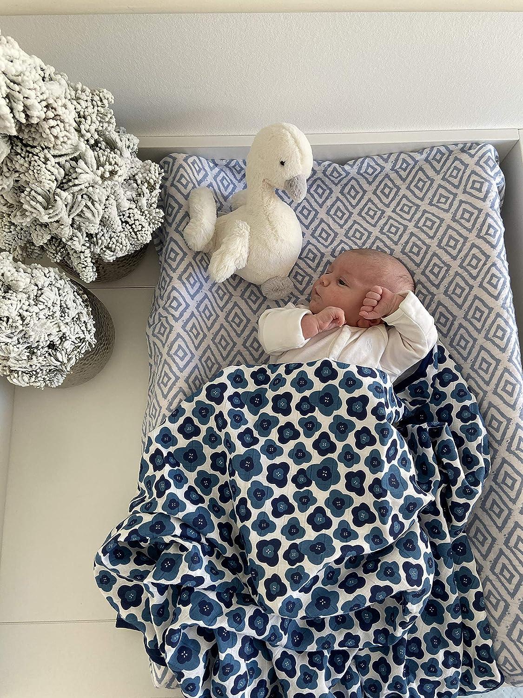 4-Lagig Blumen Blau Extra Gro/ß 120x120cm 100/% Bio-Baumwolle Premium Babydecke Kuscheldecke Ideal als Kinderwagendecke von emma /& noah OEKO-TEX Zertifiziert Beh/ält Farbe /& Form Flauschig Weich