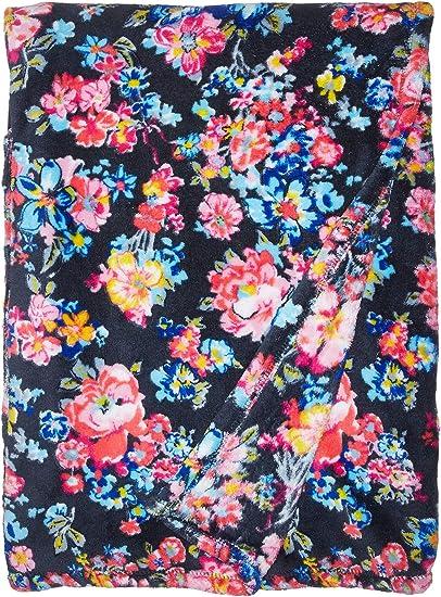 17cc99f954cf Amazon.com  Vera Bradley Women s Fleece Travel Blanket Pretty Posies ...
