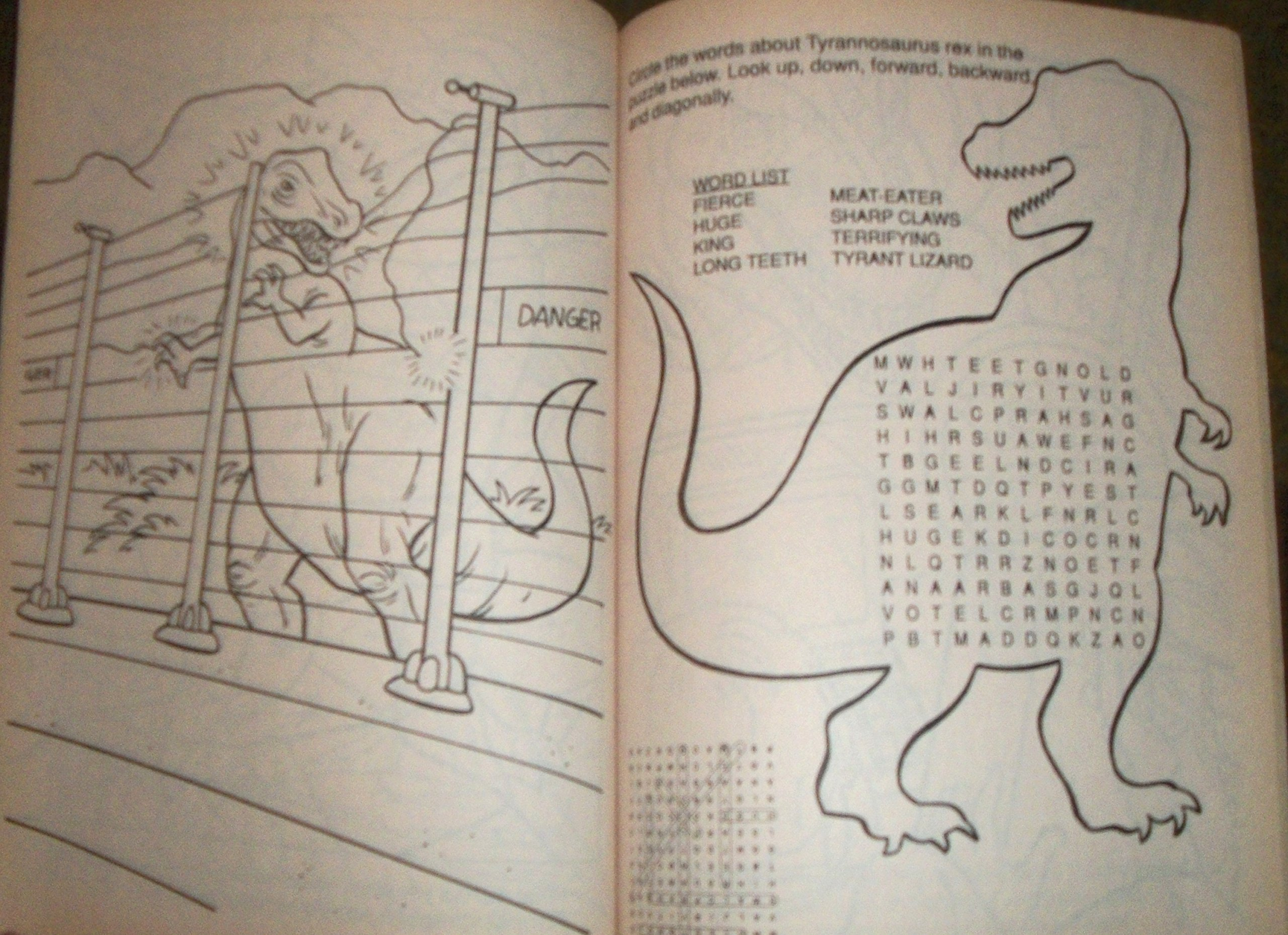 jurassic park the colouring books bk 1 golden books 9780307039798 amazoncom books - Jurassic Park Coloring Book