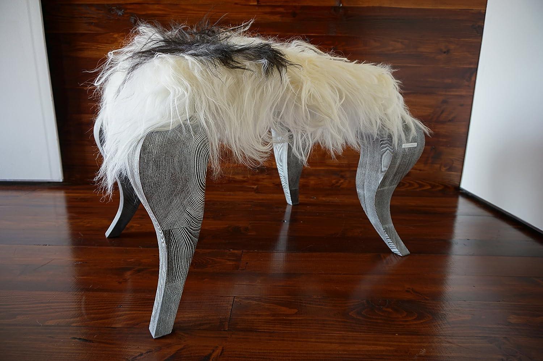 Exklusive Ottomane Hocker mit Eichenholz Beine gepolstert mit Öko Naturfell Island Schaffell - Extra lange weiße Wolle - Designermöbel von MILABERT (OS05163)