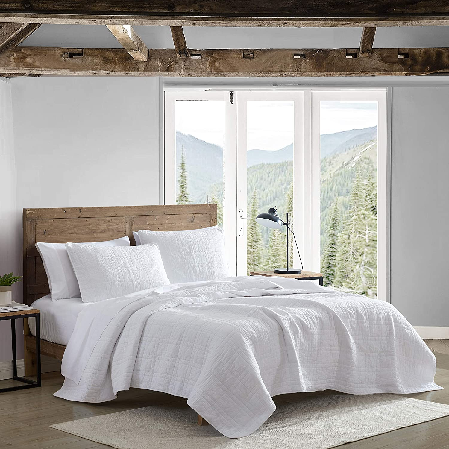 Eddie Bauer Home | Jasper Trail Collection | Quilt Set - 100% Cotton, Reversible, All Season Bedding with Matching Sham, Pre-Washed for Added Comfort, Twin, White
