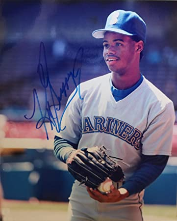 ddc147b2a8 Ken Griffey, Jr. Signed Autographed Glossy 8x10 Photo Seattle ...