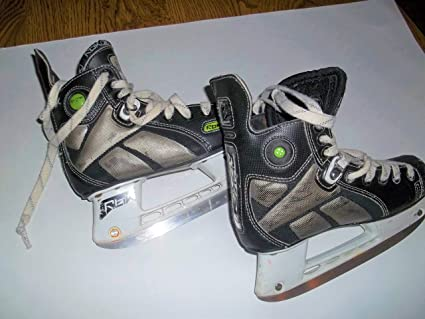 d0b54ce4ad3f8 Amazon.com : RBK Ice Hockey Skates - size 3.0 (youngster/teeen ...