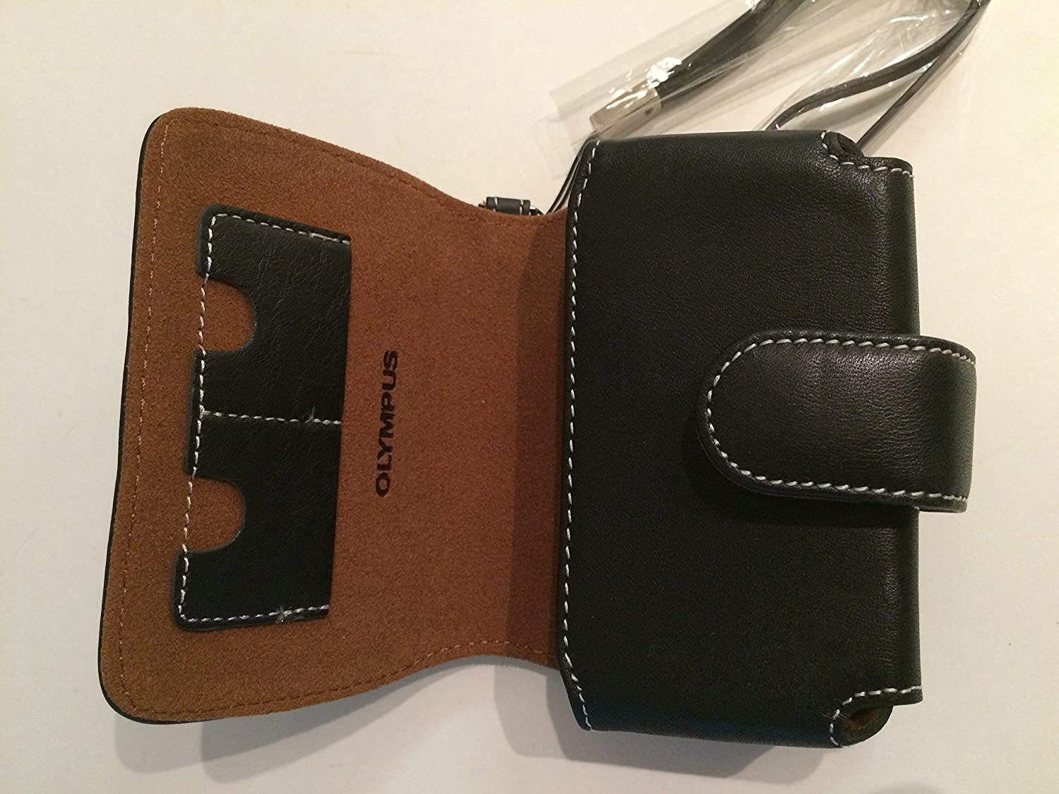 Olympus Slim Leather Case for Compact Cameras (Black)