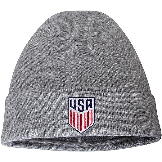 97c56f05593 Amazon.com   Nike USA National Soccer Team Performance Cuffed Knit Hat    Sports   Outdoors
