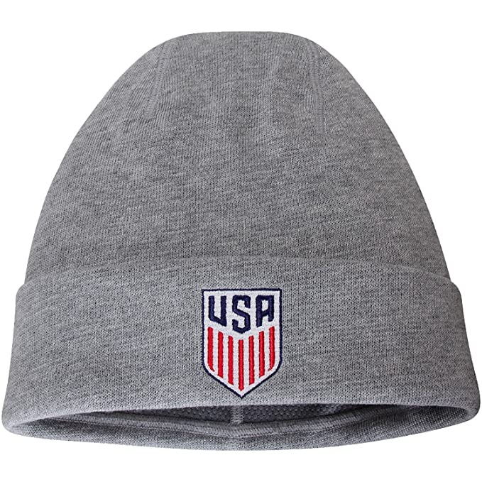 Amazon.com   Nike USA National Soccer Team Performance Cuffed Knit ... bb7170248bb