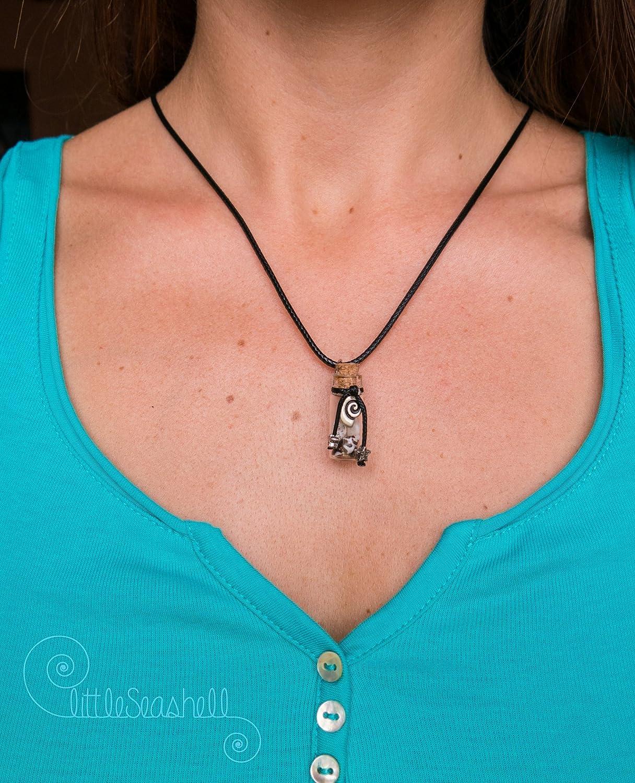 Collar de conchas botella de cristal hecho a mano para las mujeres, cumpleaños. Joya única y original: Amazon.es: Handmade