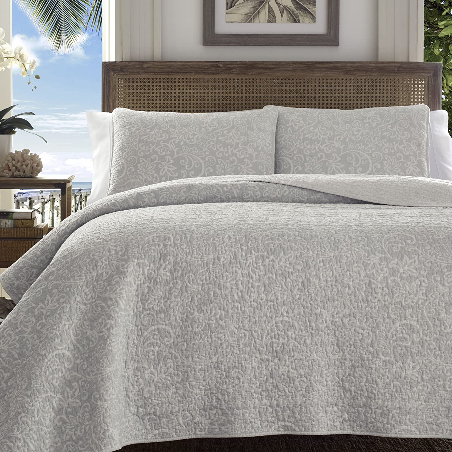 Amazon Com Tommy Bahama 220114 Gravel Gulch Rev Ersible Quilt Set Grey Yellow King Home Kitchen