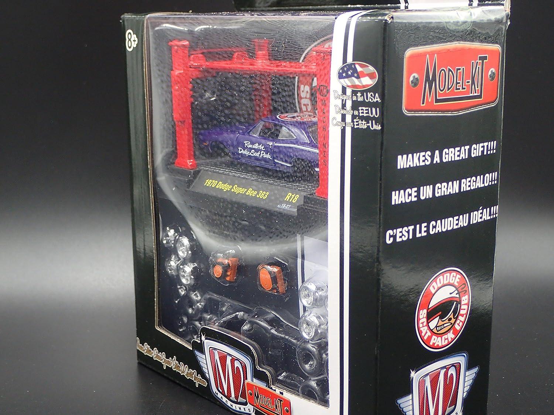 M2 Machines 1970 Dodge Super Bee 383 R18 18-07 2018 M2 Model Kit