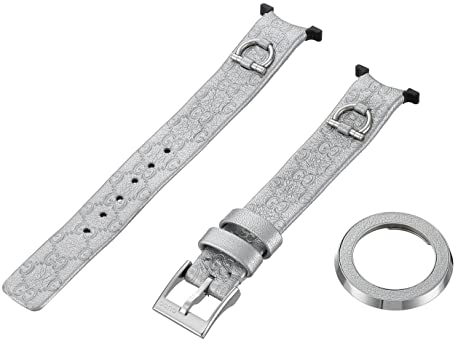 9db28d5147f Image Unavailable. Image not available for. Color  Gucci U-Play Small Kit  Silver Leather Watch Bracelet ...