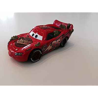 Disney/Pixar Cars 95 Lightning McQueens Cactus Lightning McQueen Die-Cast Vehicle: Toys & Games