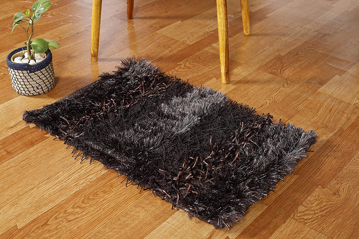 Comparing Commercial Carpet Squares and Traditional Rolled Carpets