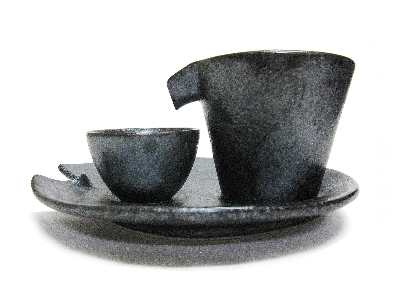 Set comportant une carafe, un verre et une assiette pour servir du Sake froid (Noir) Kaneko Kohyo