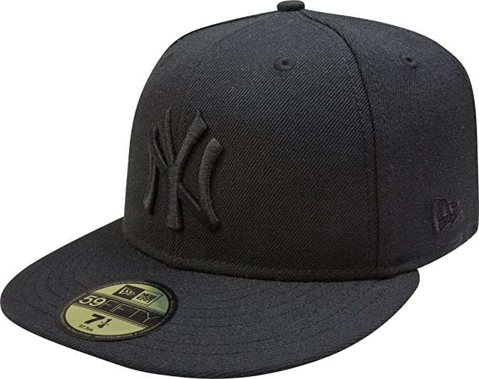 Amazon.com  New York Yankees Black On Black 59FIFTY Cap   Hat ... 036fba80632
