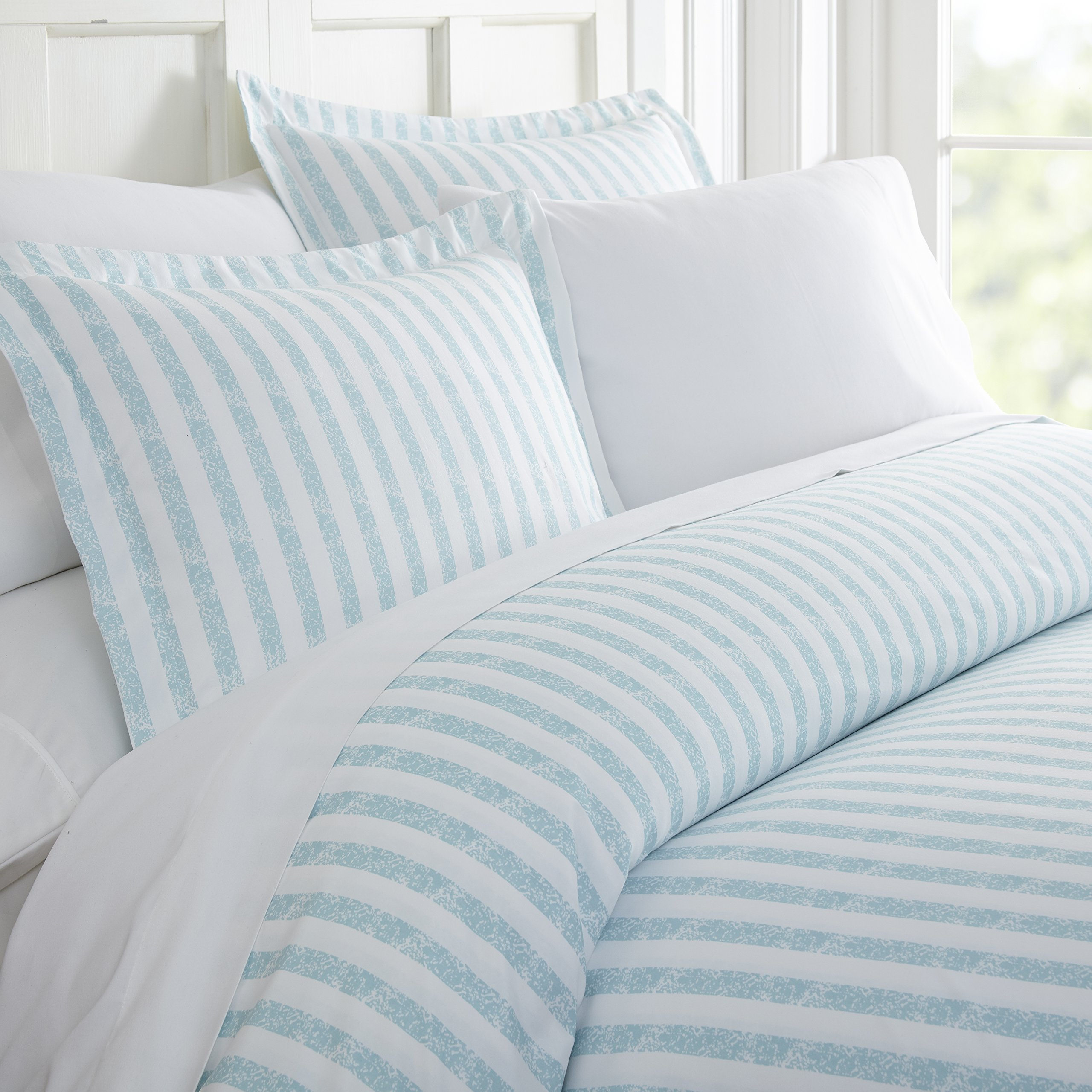 ienjoy Home 3 Piece Rugged Stripes Patterned Home Collection Premium Ultra Soft Duvet Cover Set, King, Light Blue