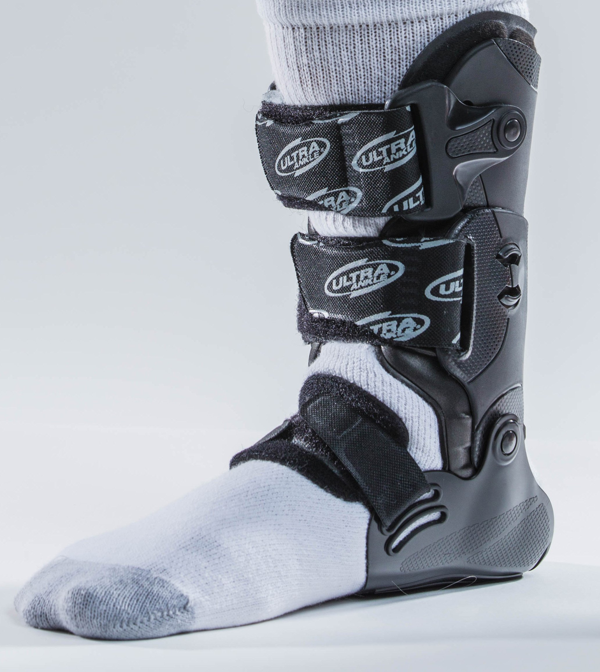 Ultra CTS (Custom Treatment System) Ankle Brace for Acute Ankle Injuries _ Treat and Rehabilitate Low and High Ankle Injuries and Return to Activity Quickly by Ultra Ankle