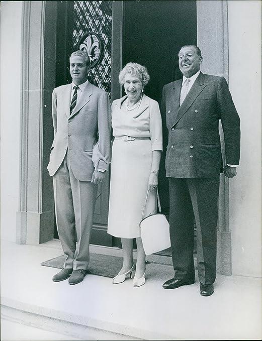 Vintage photo de Juan Carlos I de España, Victoria Eugenie de Battenberg y Infante Juan, Conde de Barcelona vistos de pie Together.: Amazon.es: Hogar