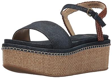 7b719f3d0b7 Amazon.com  Stuart Weitzman Women s Yourway Wedge Sandal  Shoes