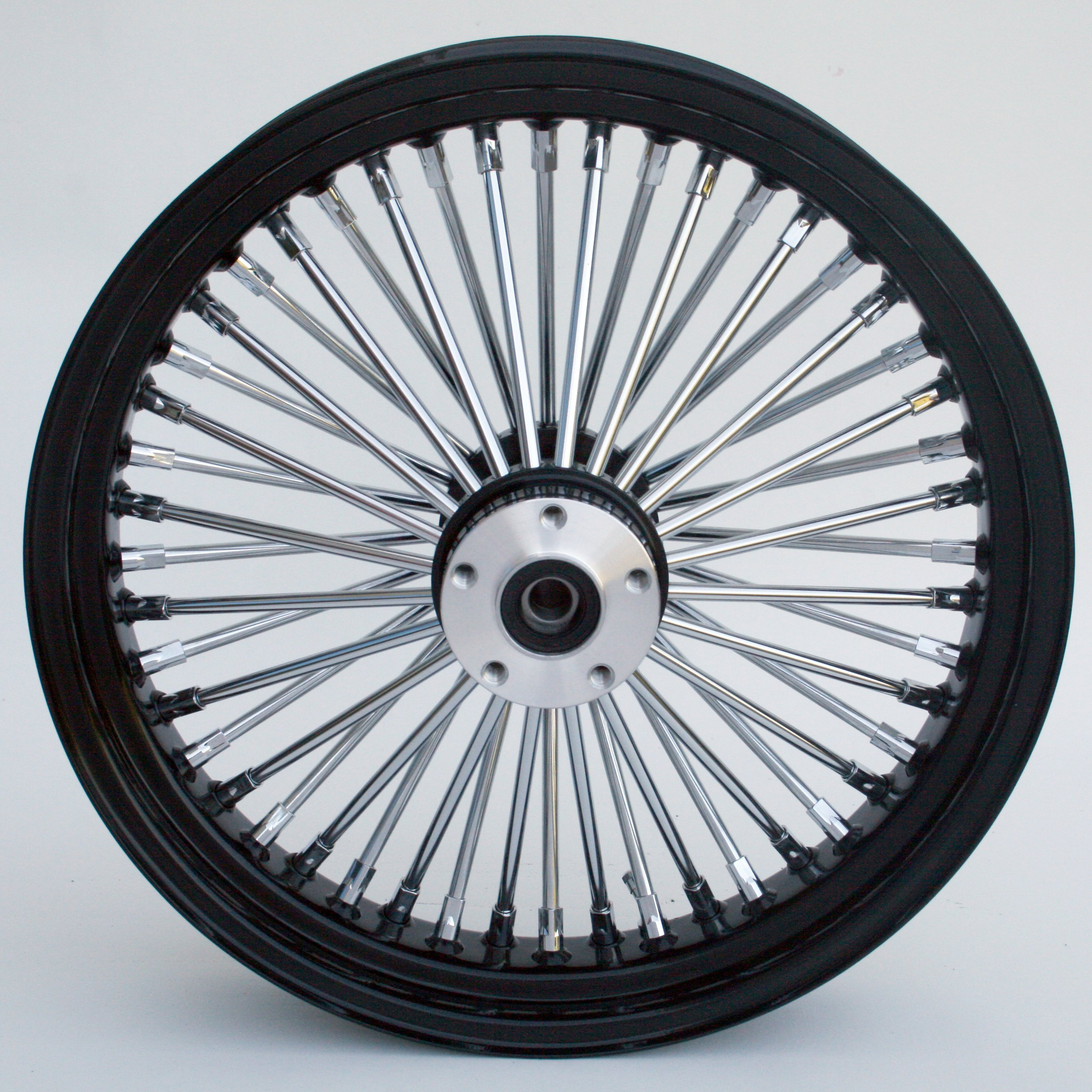 Black and Chrome Ultima King Spoke 18'' x 5.5'' Rear Wheel for 200 Series Frames and Custom Applications