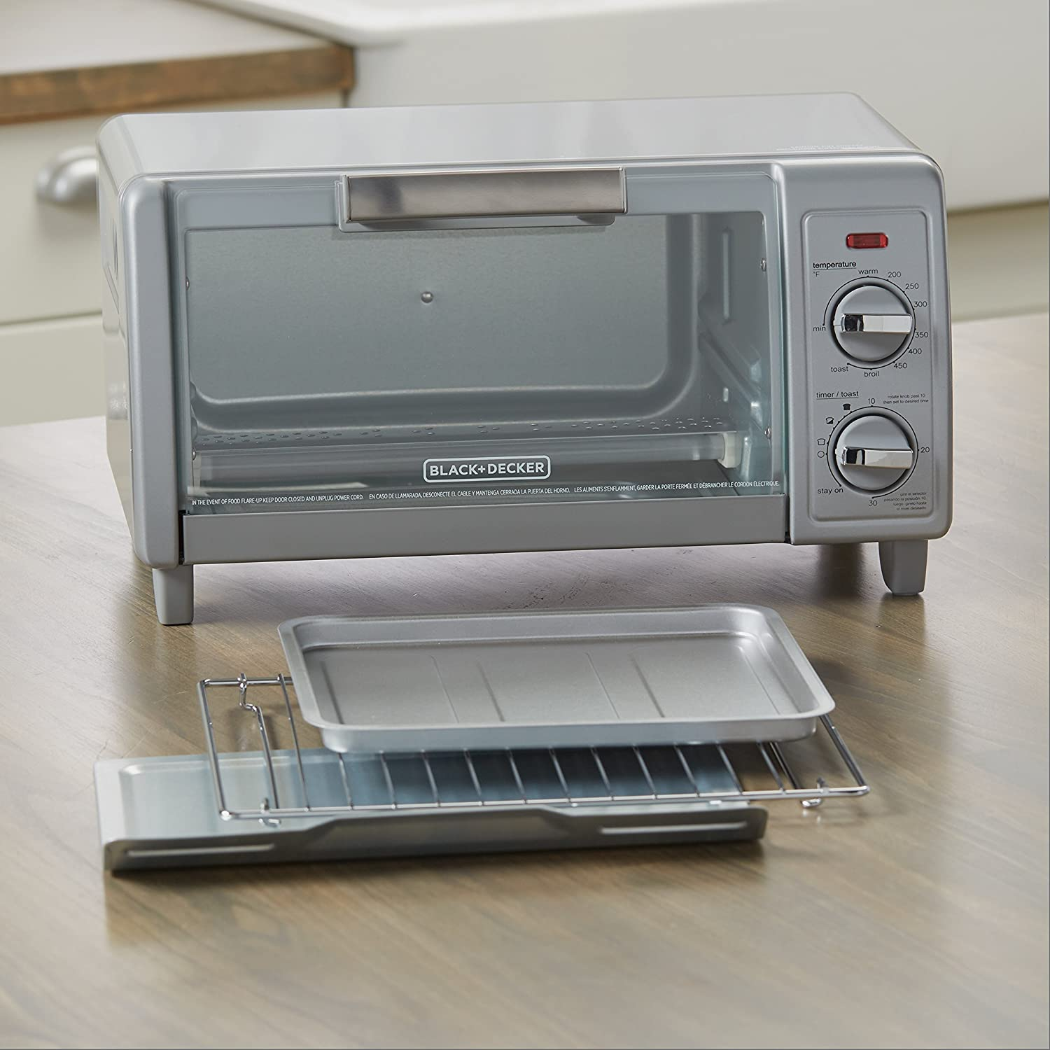 Amazon.com: BLACK+DECKER 4-Slice Toaster Oven with Easy Controls, Silver, TO1705SG: Kitchen & Dining
