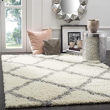 Amazon Com Safavieh Dallas Shag Collection Sgd257f Trellis 1 5 Inch Thick Area Rug 5 1 X 7 6 Ivory Grey Furniture Decor