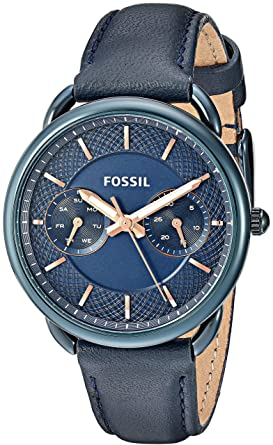 b1bbc89a86e7 Amazon.com  Fossil Women s Quartz Stainless Steel and Leather Casual ...