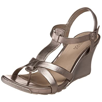 ed3bcb92a63 Kenneth Cole REACTION Women s Cedar Dew Wedge Sandal