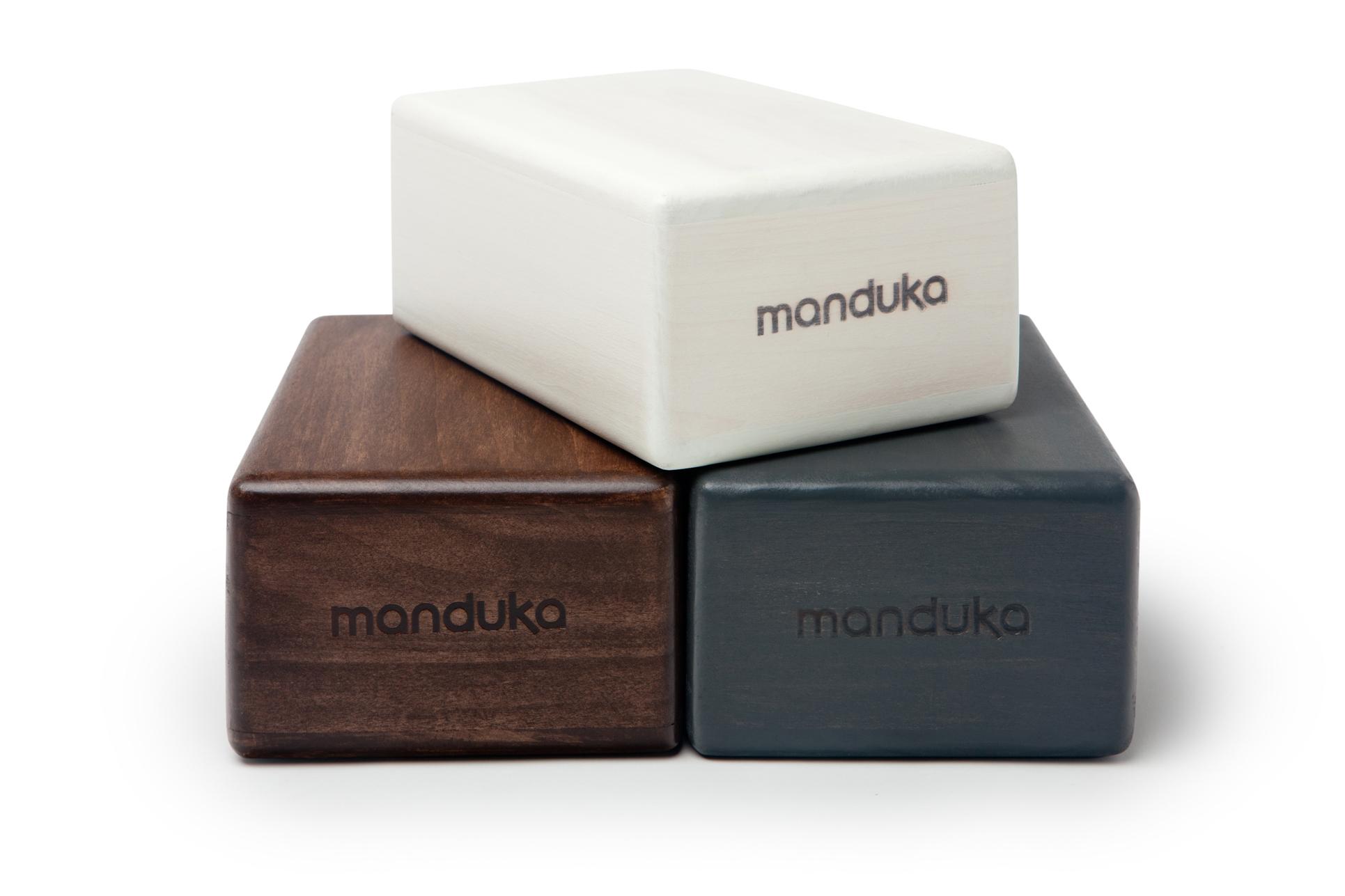 Amazon.com: BLOCK de MADERA ARTESANAL para YOGA de MANDUKA ...