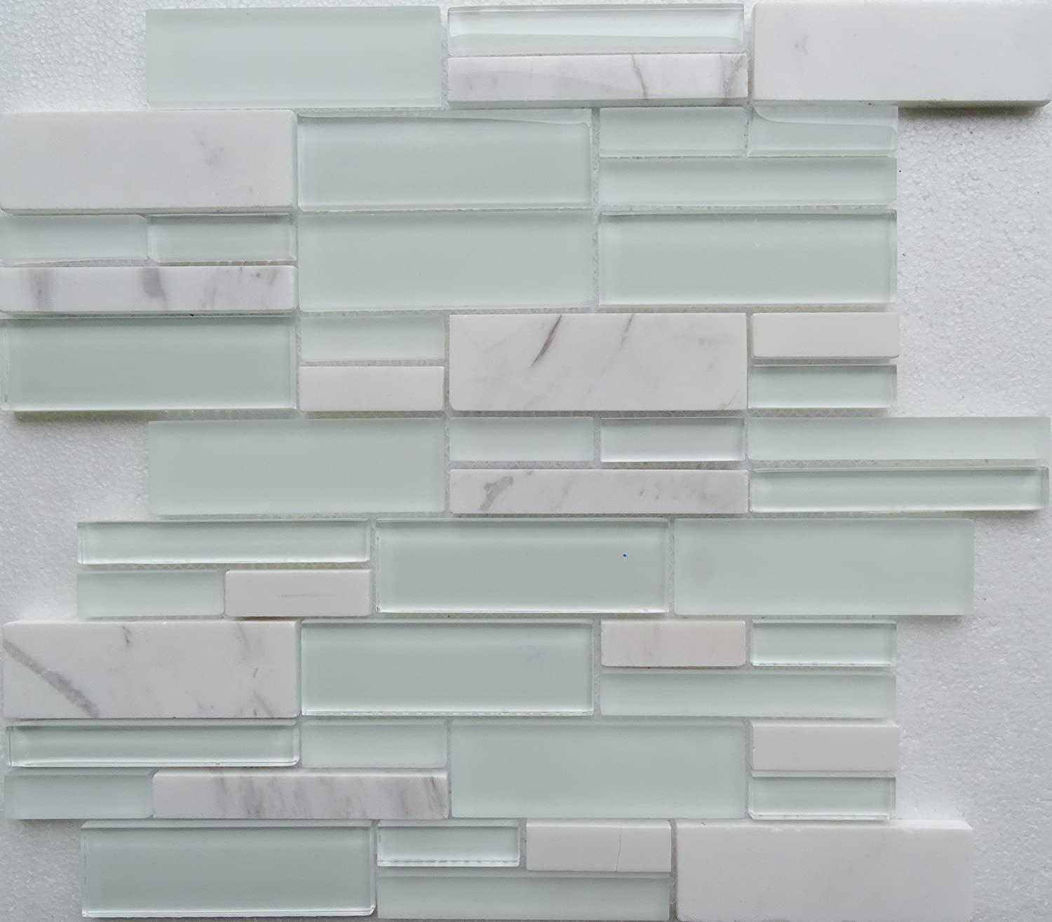 - White Backsplash Linear Interlocking Glass And Marble Mesh-Mounted