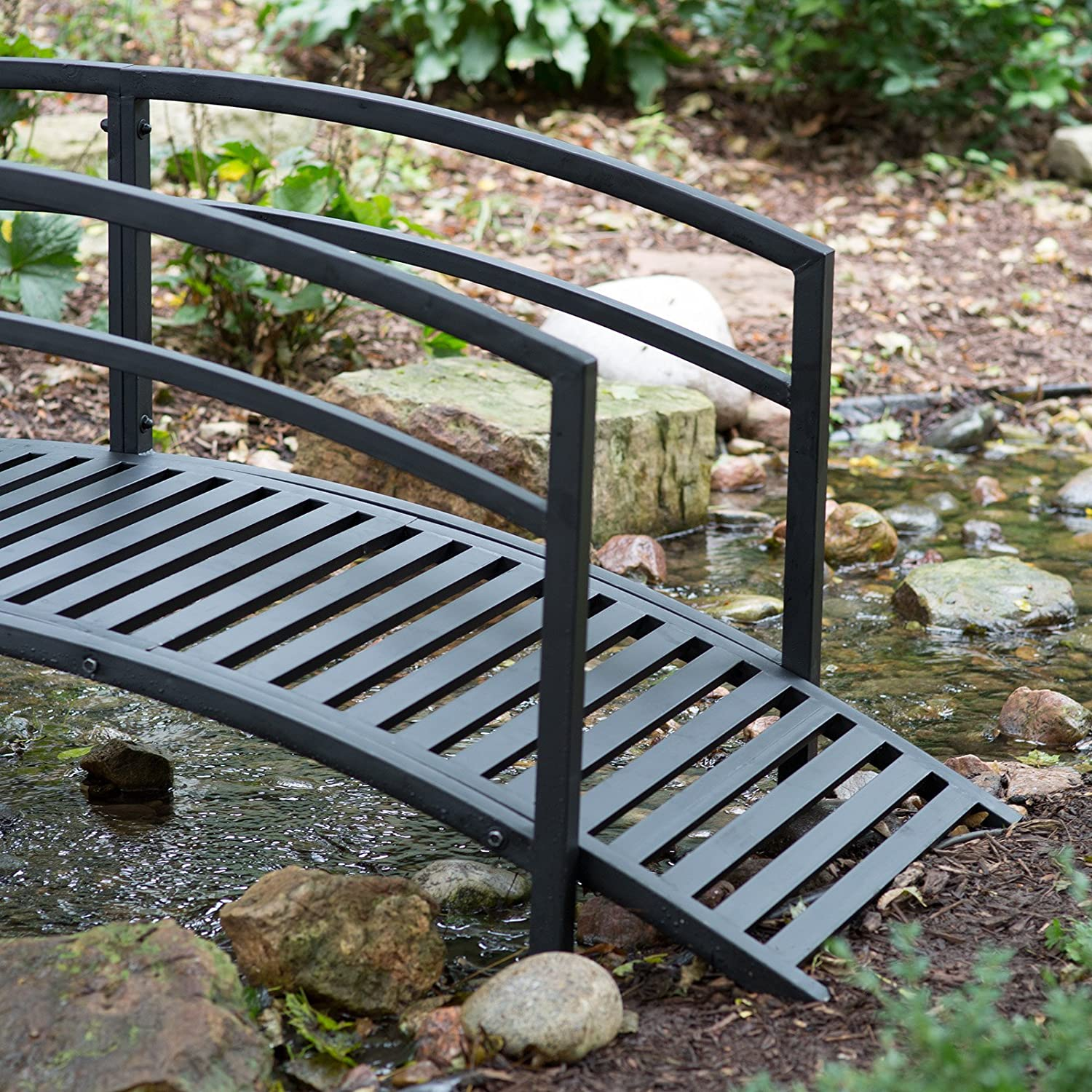 Amazon.com : Black Metal Danbury Garden Bridge   8 Ft. Double Arched Rails  And A Classic Slatted Walking Surface (93L X 28W X 29H In.