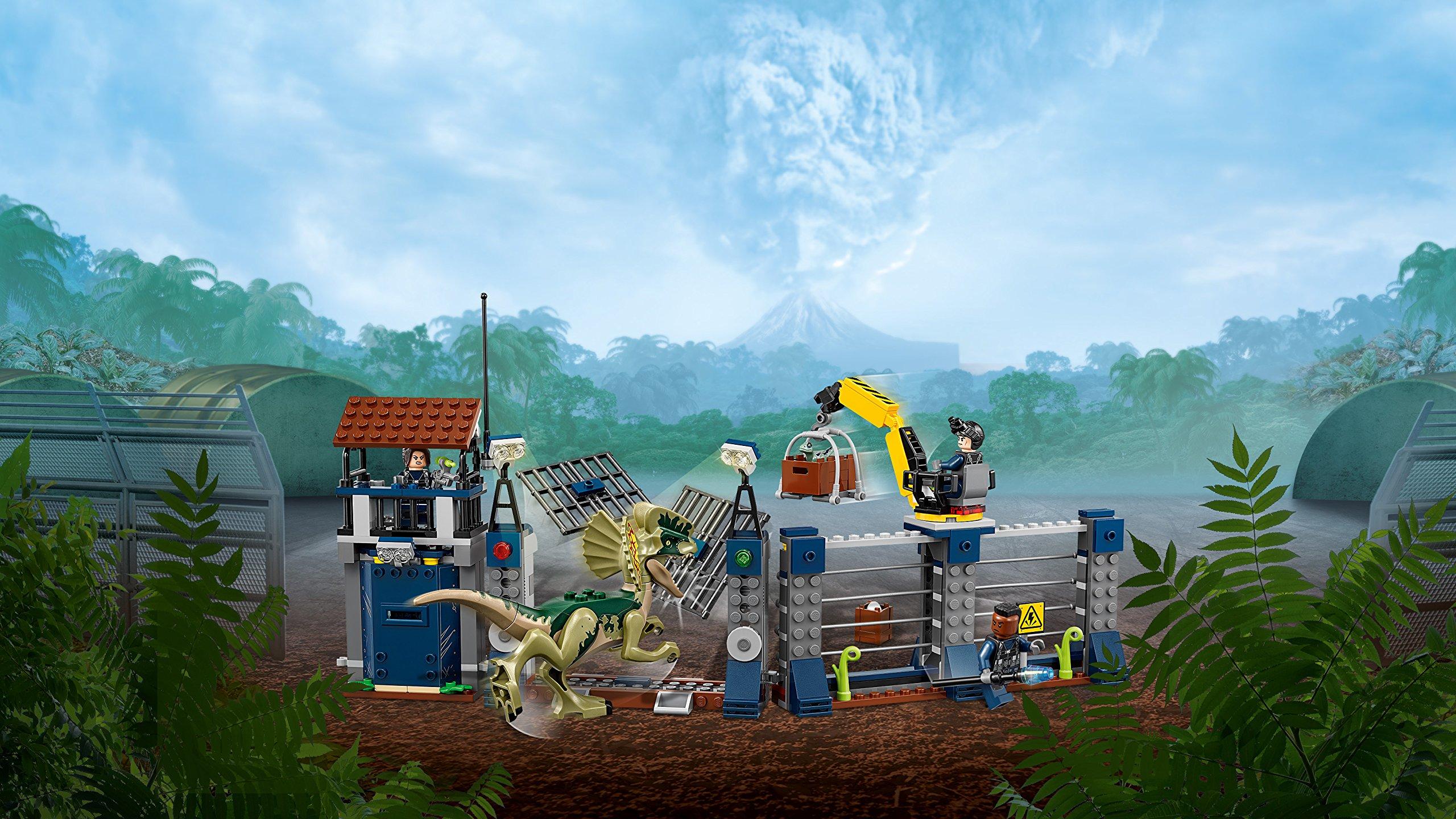 LEGO 75931 Jurassic World Dilophosaurus Outpost Attack Playset, Dinosaur Figures, Build & Play Dinosaur Toys for Kids by LEGO (Image #5)