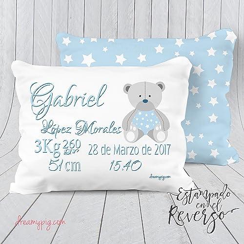 Cojín personalizado nacimiento bebé oso con reverso estampado de estrelals 30x23 cm. Relleno incluido!!