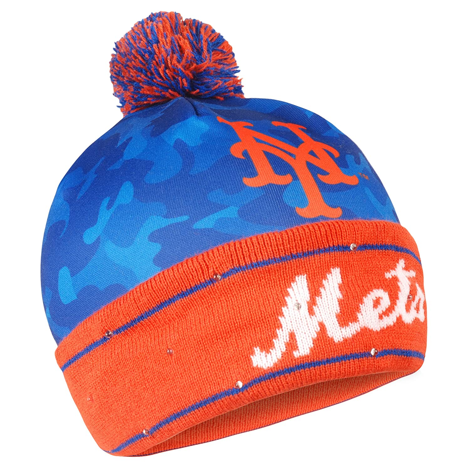 cheap for discount c231f 507dc Amazon.com   Forever Collectibles MLB New York Mets Camo Light Up Knit Hat    Sports   Outdoors