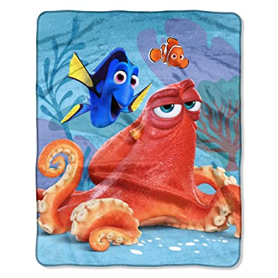 Northw Finding Dory Raschel Throw Blanket: Home & Kitchen