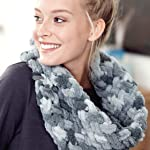 finger looping cowl