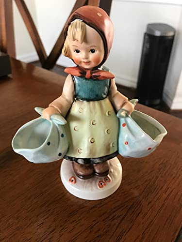 Goebel China Hummel Figurines Mothers Darling , 175 TMK3