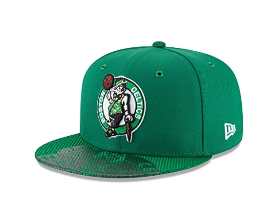 buy online 15bfd e8d6b Amazon.com   New Era Boston Celtics 2018 NBA All Star Game 59Fifty Fitted  Green Hat   Sports   Outdoors
