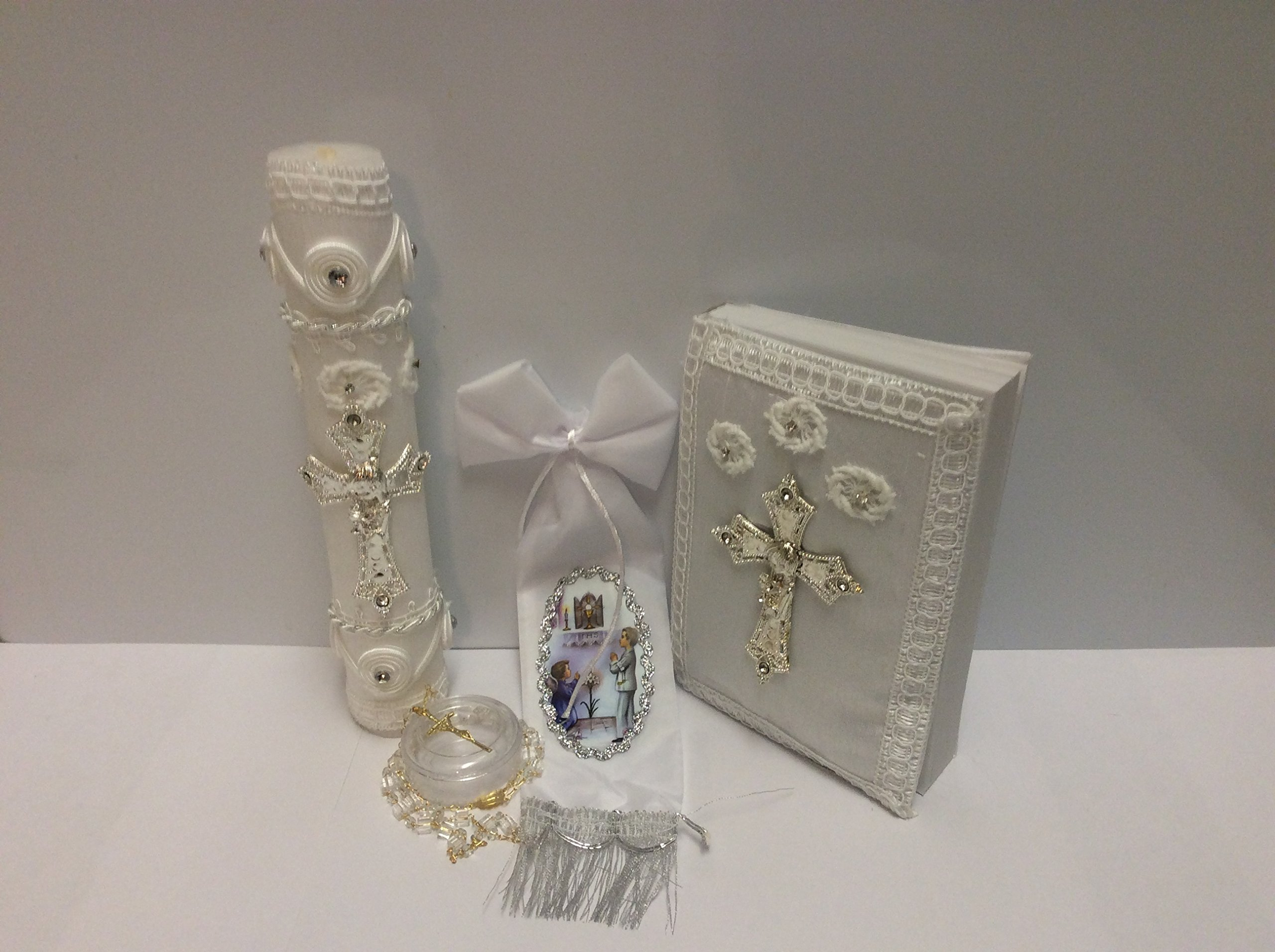 Casa Ixta First communion candle set with silver cross detail