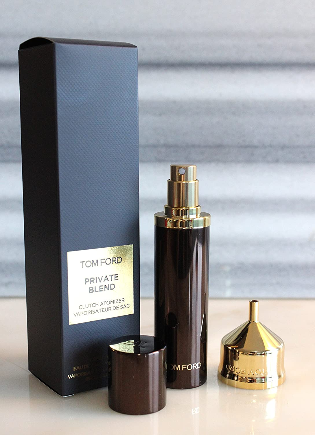 87179067a85a Amazon.com   TOM FORD OFFICIAL TRAVEL ATOMIZER SPRAY. LIMITED EDITION. INCLUDING  GOLD FUNNEL AND POUCH.   Beauty